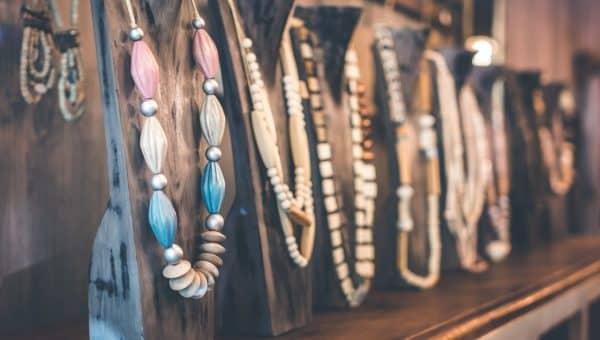 Comment se procurer des bijoux tendance